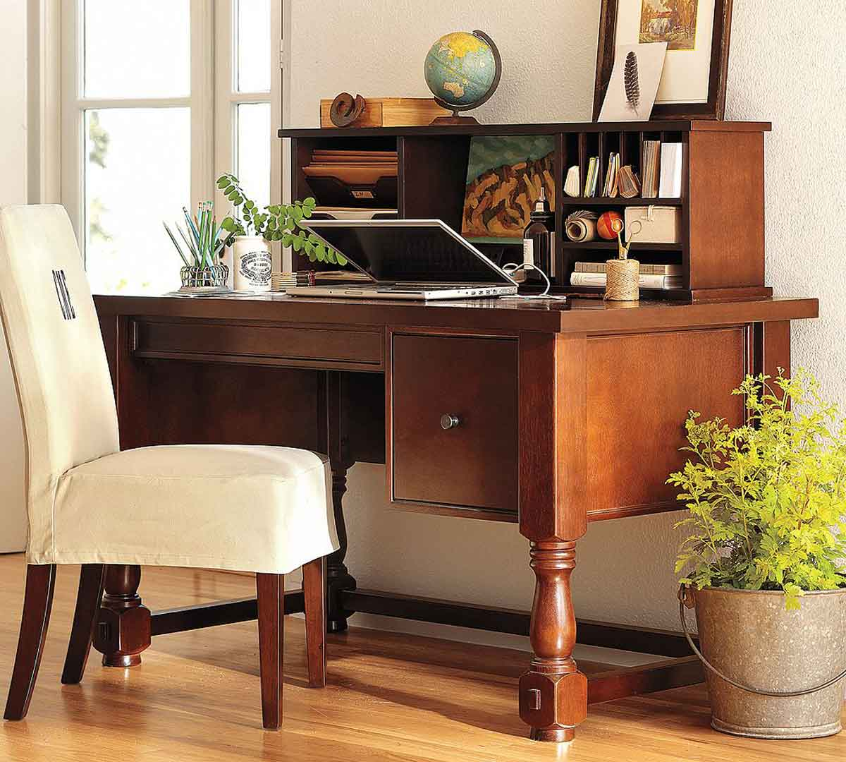 Modern Home Office Decorating Ideas and Wooden Furniture