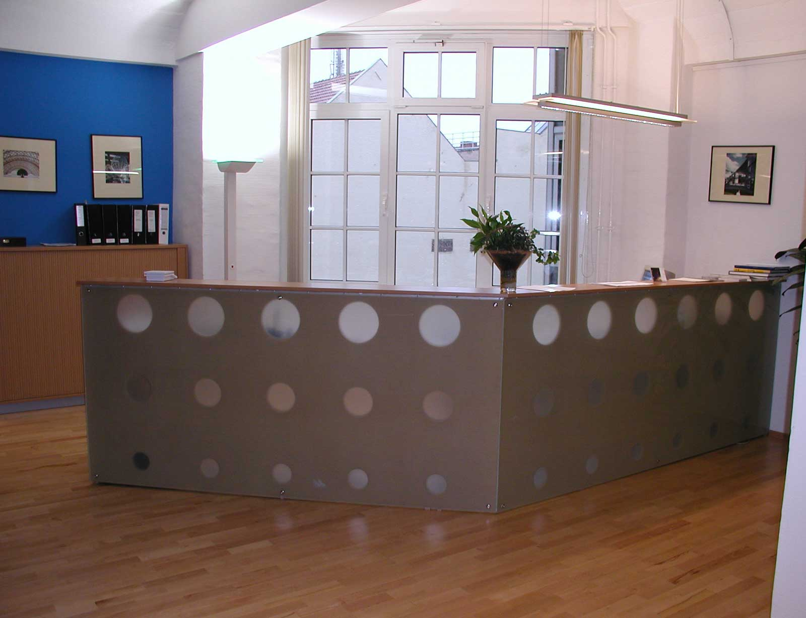 Small Reception Desk Furniture Design