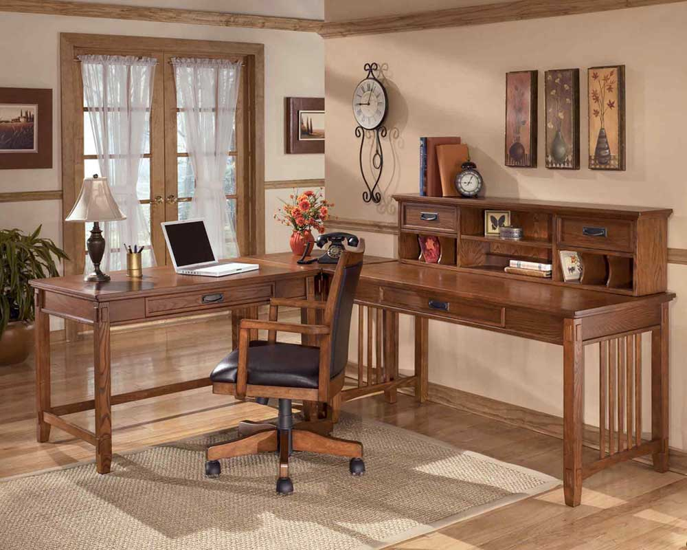 Cross Island Oak Chair and Corner Desk for Executive