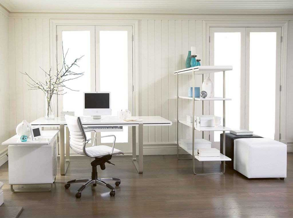 pure white desk for classy workplace