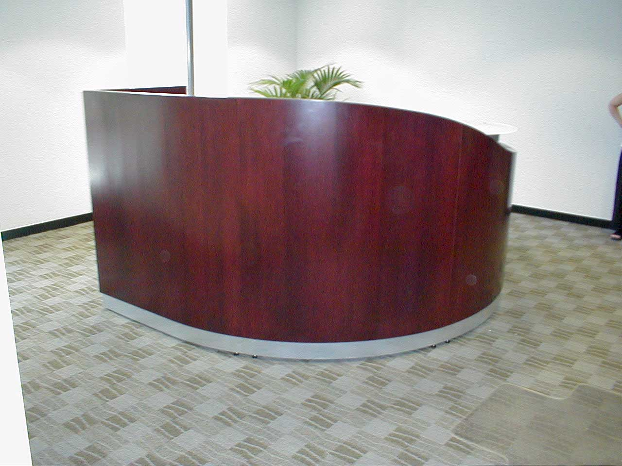 Round Modular Wave Wood Reception Desk