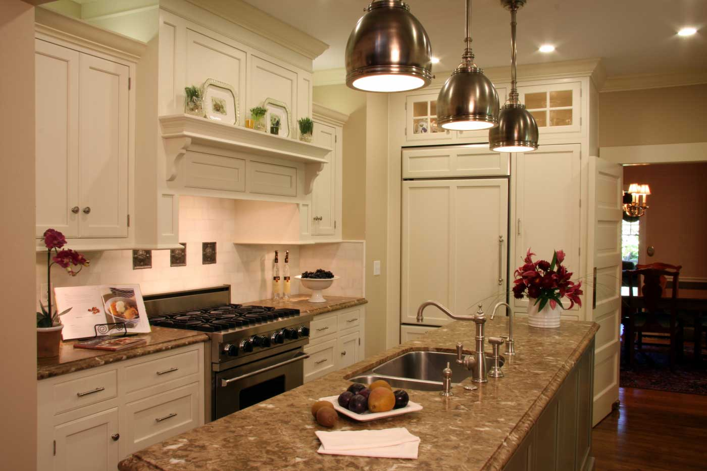 California transitional elegant kitchen design picture