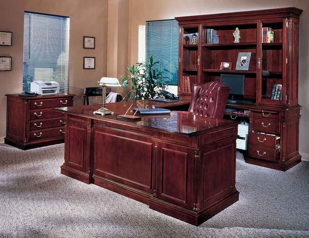 Executive work desk in Los Angeles office