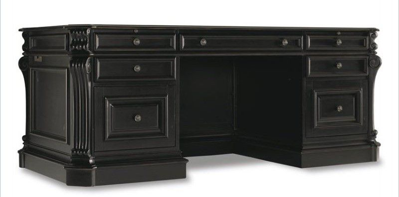 Hooker Furniture Telluride 76 Antique Executive Desk with Leather Top