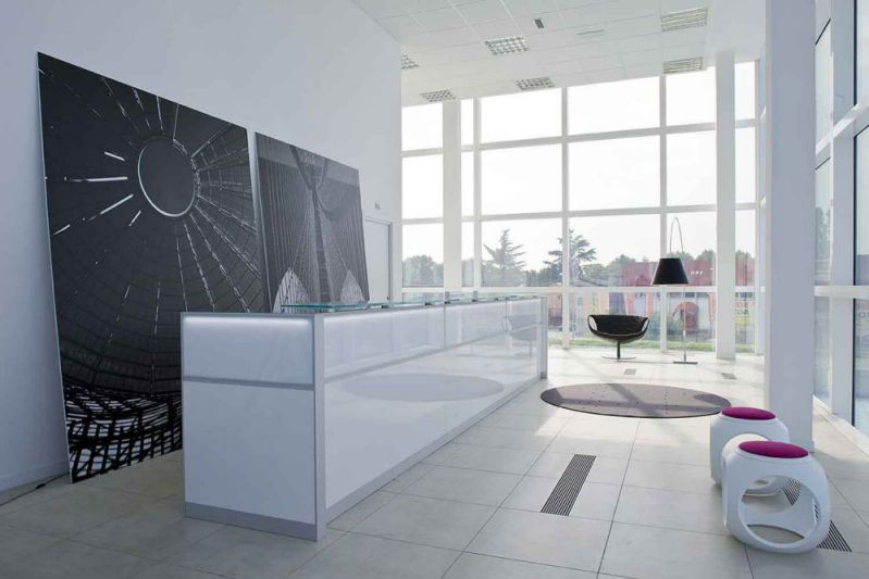 Minimalist reception center desk set ideas